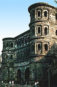 Трир (Trier) Черные ворота